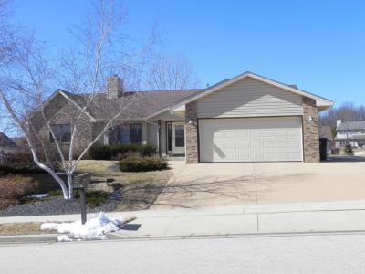 Photo of 423 Emerald Hills Dr, Fredonia, WI 53021
