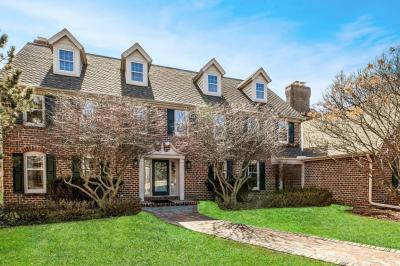 Photo of 9080 N Greenbrook Ct, River Hills, WI 53217
