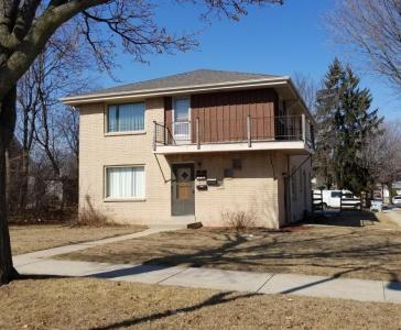3900 W Green Tree Rd, Milwaukee, WI 53209