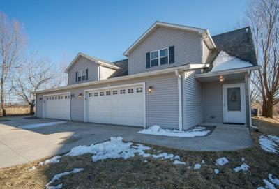 Photo of 2535-2537 Deerfield Dr, West Bend, WI 53090