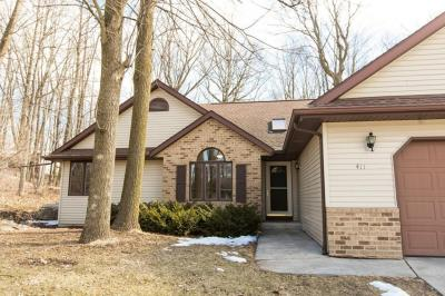 Photo of 411 Bittersweet Ln, Plymouth, WI 53073