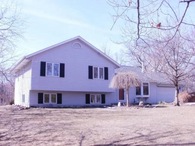 Photo of S79W35895 Timber Ct, Eagle, WI 53119
