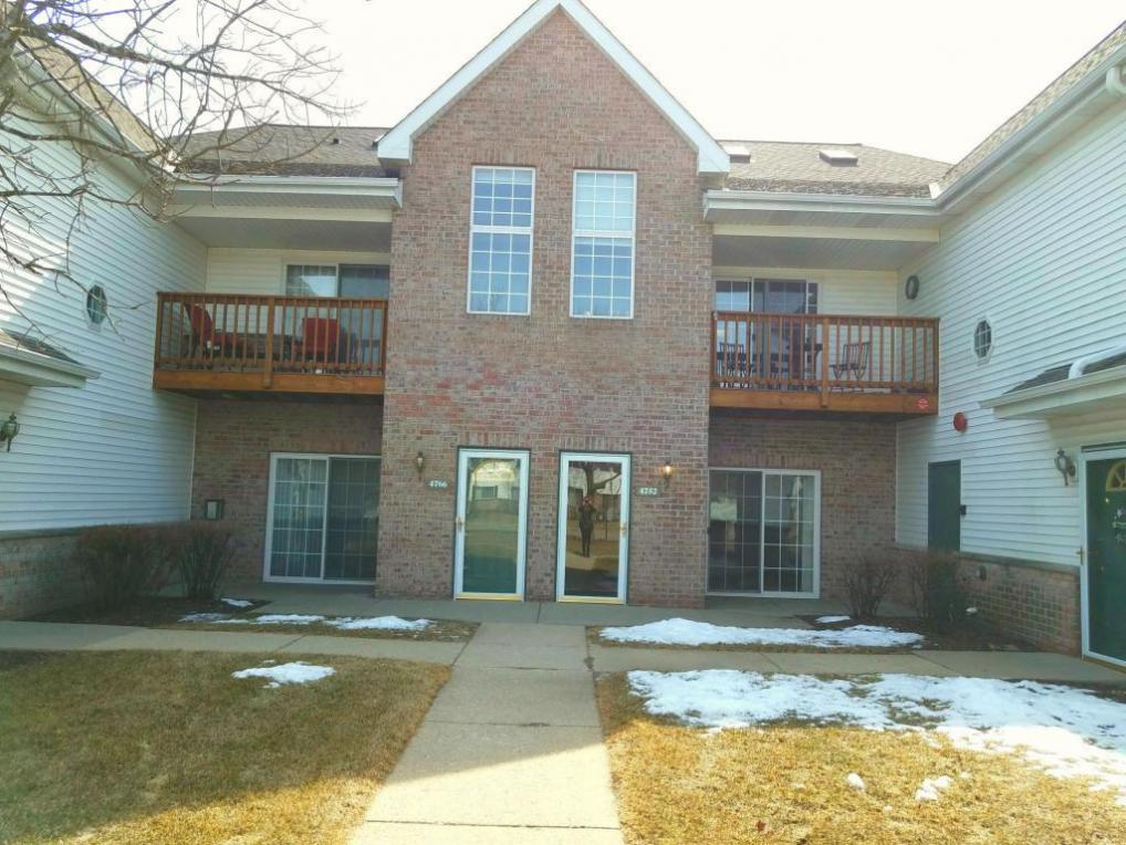 4752 S Forest Point Blvd, New Berlin, WI 53151