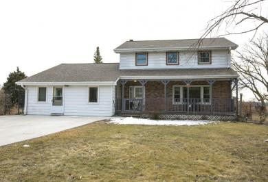 S63W24495 Townline Rd, Vernon, WI 53189