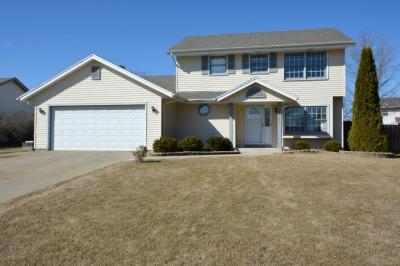 Photo of 10561 S Peggy Dr, Oak Creek, WI 53154