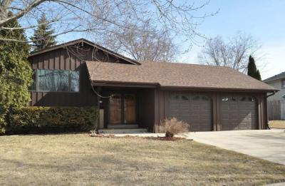 Photo of 6159 Sycamore St, Greendale, WI 53129