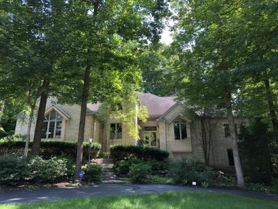 Photo of 19295 Ashbourne Ln, Brookfield, WI 53045
