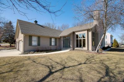 Photo of 3949 S Cavendish Rd, New Berlin, WI 53151