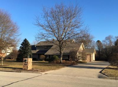 Photo of 6325 Parkview Rd, Greendale, WI 53129