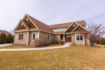 Photo of W243N2707 Creekside Ct, Pewaukee, WI 53072