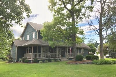 Photo of 7637 S Mission Woods Ct, Franklin, WI 53132