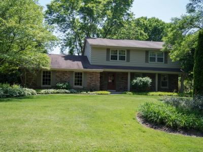Photo of 9251 N Waverly Dr, Bayside, WI 53217