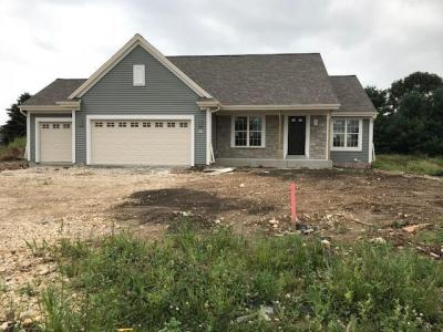 Photo of 502 Meadowbrook Ct, Slinger, WI 53086