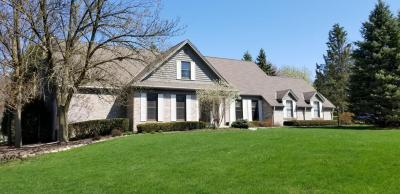 Photo of 1590 Barrington Woods Dr, Brookfield, WI 53045