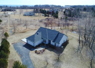 Photo of 1642 County Rd C, Grafton, WI 53024