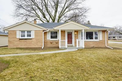 Photo of 4583 S 62nd St, Greenfield, WI 53220