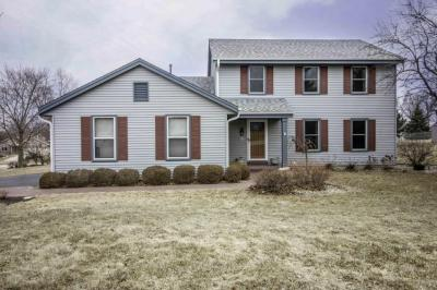 Photo of N74W23135 S Ridgeview Cir, Sussex, WI 53089