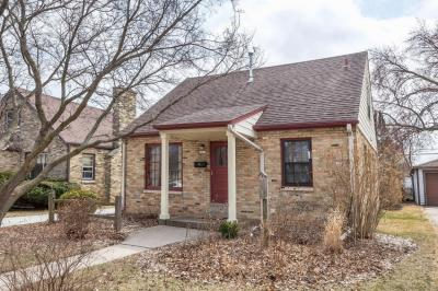 Photo of 2829 E Allerton Ave, St Francis, WI 53235