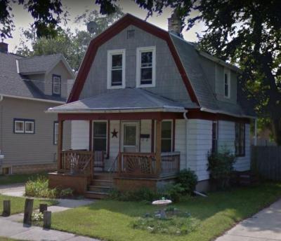 Photo of 464 W Kilbourn Ave, West Bend, WI 53095