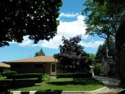 Photo of 3000 S 80th St, West Allis, WI 53219