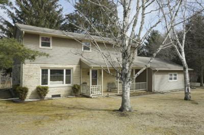 Photo of S30W30390 Sunset Dr, Genesee, WI 53189