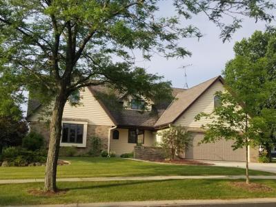 Photo of 831 Oak Ridge Cir, Hartford, WI 53027