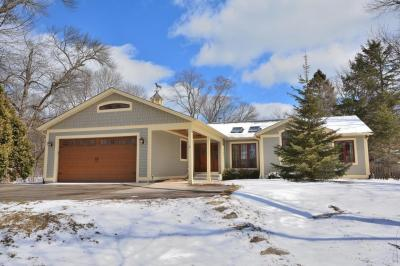 Photo of 7220 N Lake Dr, Fox Point, WI 53217