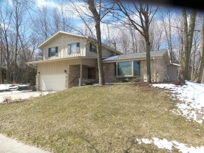 Photo of 1062 Timberline Dr, West Bend, WI 53095