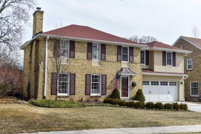 Photo of 2414 N 88th St, Wauwatosa, WI 53226