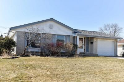 Photo of 4721 W Van Beck Ave, Greenfield, WI 53220