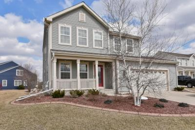 Photo of 633 Riverwood Ln, West Bend, WI 53095