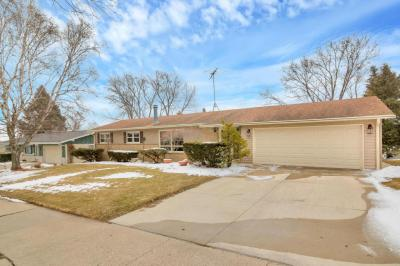 Photo of 221 Bittersweet Dr, West Bend, WI 53095