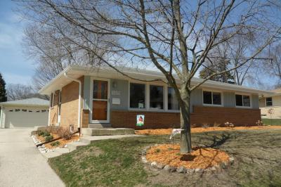 Photo of 5325 Millbank Rd, Greendale, WI 53129