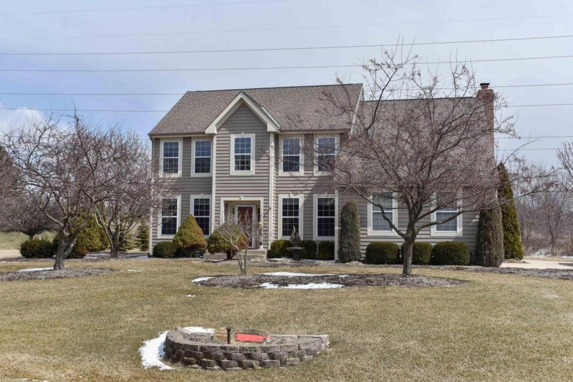 11128 N Whilton Rd, Mequon, WI 53097