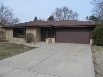 Photo of 7062 Hollow Ln, Greendale, WI 53129