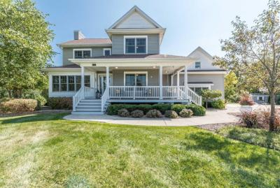 Photo of 612 Meadow View Ct, Mukwonago, WI 53149