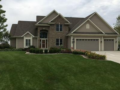 Photo of 2633 Oak Knoll Dr, Jackson, WI 53037