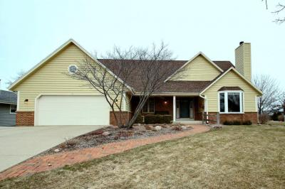 Photo of 3501 Willow Ln, South Milwaukee, WI 53172