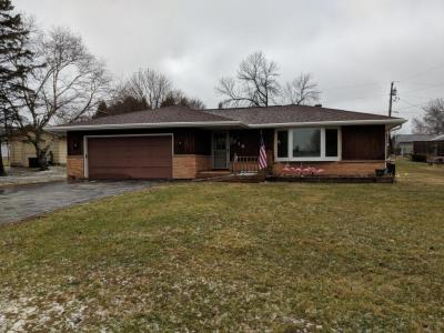 Photo of 216 S Lincoln Dr, Howards Grove, WI 53083
