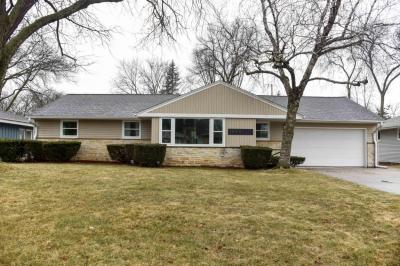 Photo of 1045 N 120th St, Wauwatosa, WI 53226