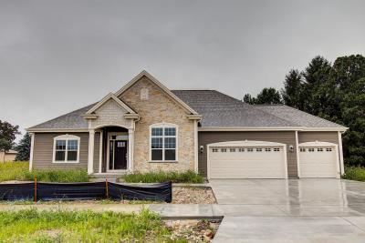 Photo of W239N5417 Fieldstone Pass Cir, Sussex, WI 53089