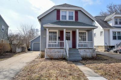 Photo of 7507 Hennessey Ave, Wauwatosa, WI 53213