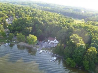 Photo of 1571 Lake Dr, Richfield, WI 53033