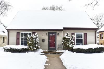 Photo of 1911 N 84th St, Wauwatosa, WI 53226