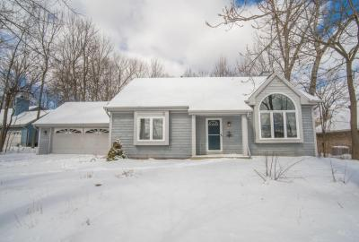 Photo of 5443 S 46th St, Greenfield, WI 53220