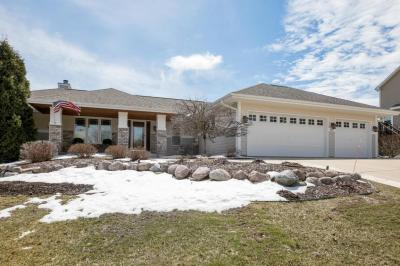 Photo of 1737 Valley Dr, Grafton, WI 53024