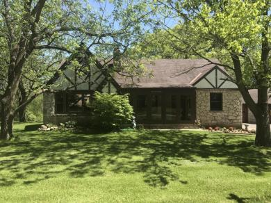 W320S4470 Highview Rd, Genesee, WI 53189