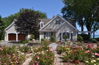 4025 Lighthouse Dr, Wind Point, WI 53402