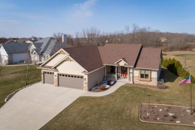 Photo of 441 Emerald Hills Dr, Fredonia, WI 53021