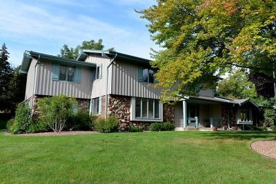 Photo of 16735 Mary Cliff Ct, Brookfield, WI 53005